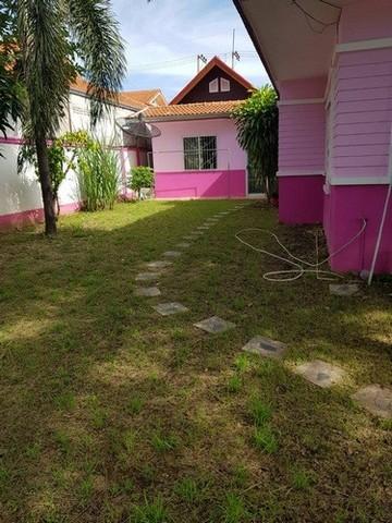 ให้เช่าบ้านเดี๋ยวในหมู่บ้าน อ.เมือง จังหวัดกาญจนบุรี มีสนามหญ้า พร้อมเฟอร์นิเจอร์ เครื่องใช้ไฟฟ้า