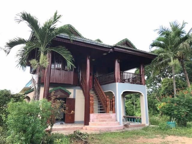 ขายบ้านราคาถูก บ้านไม้สัก 2 ชั้น สไตล์ล้านนา พร้อมที่ดินสวย อากาศดี เดินทางสะดวก ลำปาง